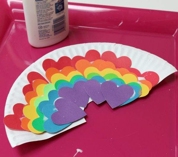 heart-rainbow-crafts-for-kids--600x529